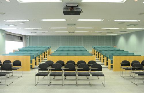 視聴覚室|生涯学習棟|三重県総合...